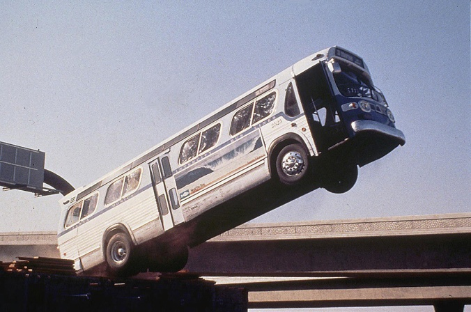 Der Bus rast mit Volldampf durch Los Angeles ... *** Local Caption *** 1994, Speed, Speed